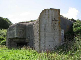 1200px-Bunker_in_Alderney