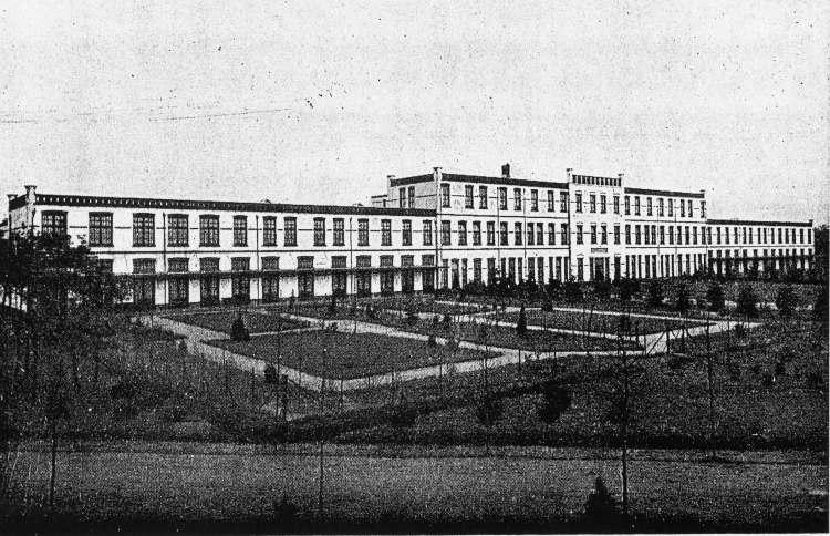 Hoofdgebouw_Apeldoornsche_Bosch_(ca._1930)