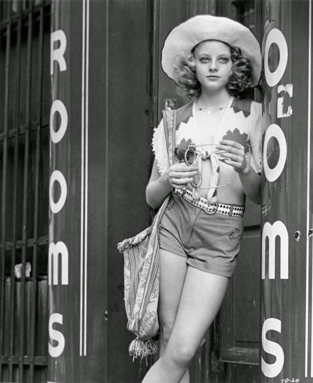 Jodie Foster on the set of Taxi Driver (4)