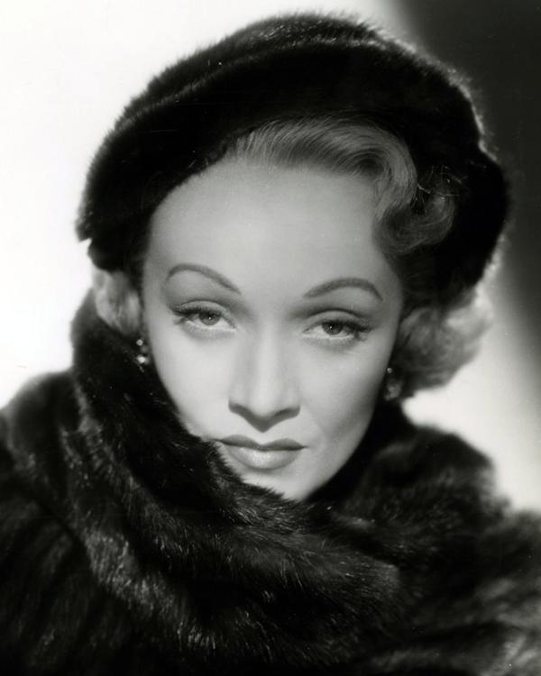Marlene_Dietrich_in_No_Highway_(1951)_(Cropped)