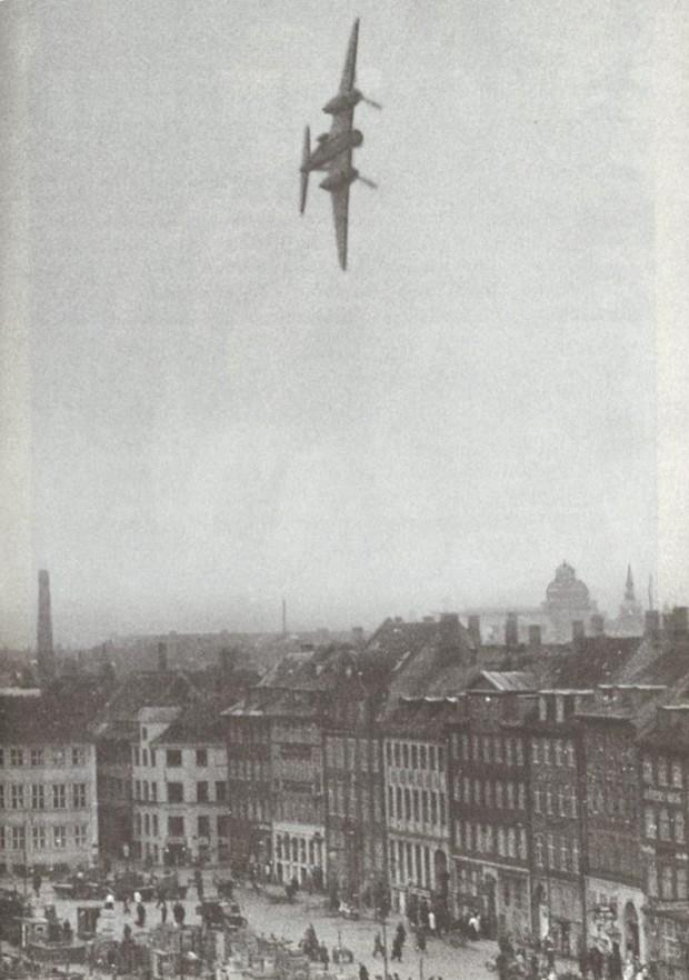 Mosquito Copenhagen 1945.03.21
