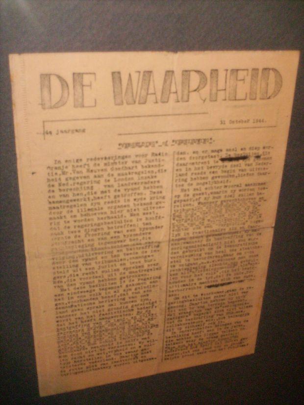 800px-De_Waarheid_31_10_1944