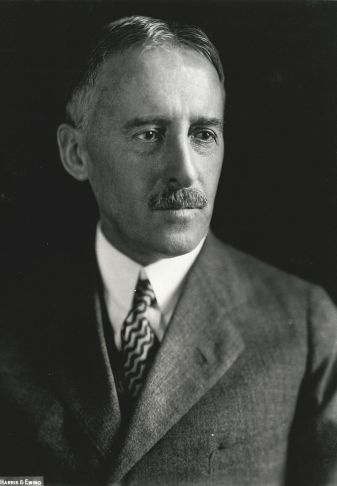 800px-Henry_Stimson,_Harris_&_Ewing_bw_photo_portrait,_1929