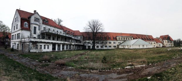 sanatorium_area_hohenlychen_by_skanatiker