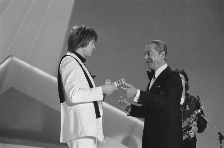 1024px-Eurovision_Song_Contest_1980_-_Johnny_Logan_3