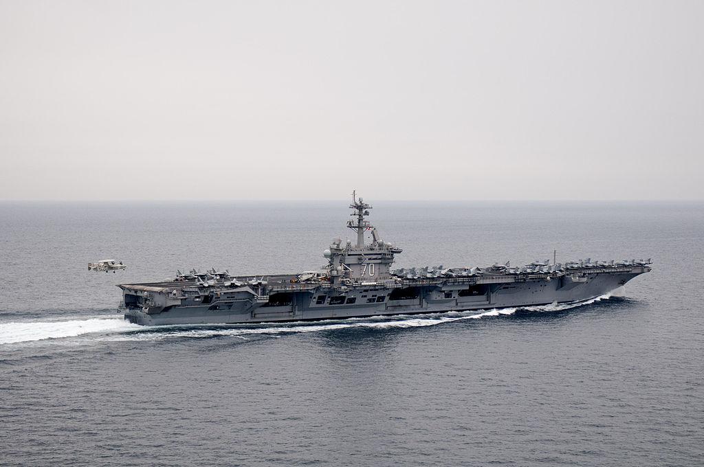 1024px-US_Navy_110404-N-6505H-511_An_E-2C_Hawkeye_approaches_USS_Carl_Vinson_(CVN_70)
