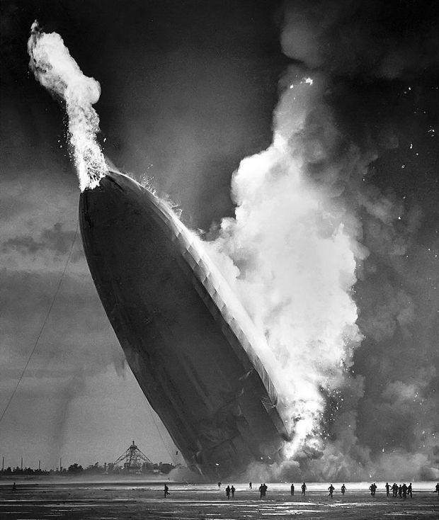 800px-Hindenburg_disaster,_1937