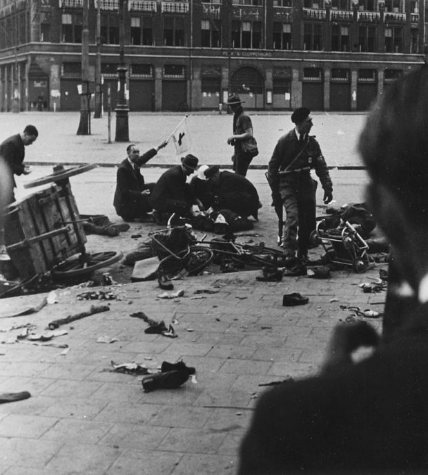 Amsterdam_shooting,_May_7_1945