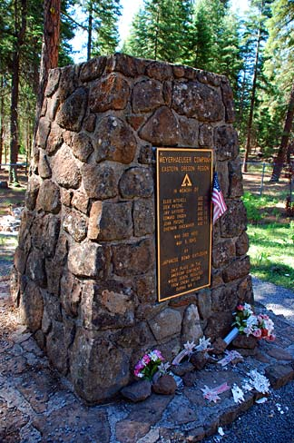 Balloon_Bomb_Memorial_(Lake_County,_Oregon_scenic_images)_(lakDA0010)