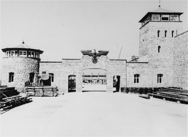 Mauthausen.