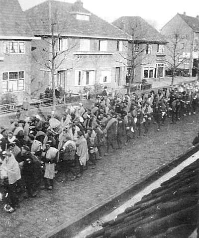prisoners in transit at Vught