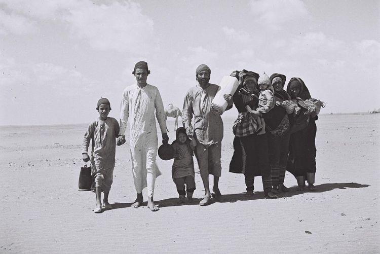 1024px-Yemenites_go_to_Aden
