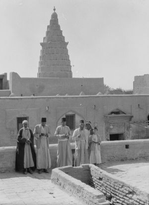 800px-Ezekial's-Tomb-at-Kifel
