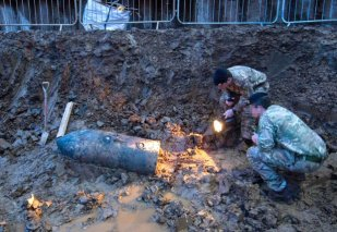 PIXELATED AT SOURCE Handout photo issued by the Ministry of Defence of a Second World War bomb which was discovered on a building site in Brent, north-west London. PRESS ASSOCIATION Photo. Picture date: Thursday March 2, 2017. A huge cordon is in place and roads have been closed after the unexploded device was found near Brondesbury Park in Brent, north-west London. The army has been called in to deal with the bomb while police and the fire service also remain on the scene, Brent Council said. See PA story POLICE Brondesbury. Photo credit should read: Rupert Frere/MoD/Crown Copyright/PA Wire NOTE TO EDITORS: This handout photo may only be used in for editorial reporting purposes for the contemporaneous illustration of events, things or the people in the image or facts mentioned in the caption. Reuse of the picture may require further permission from the copyright holder.