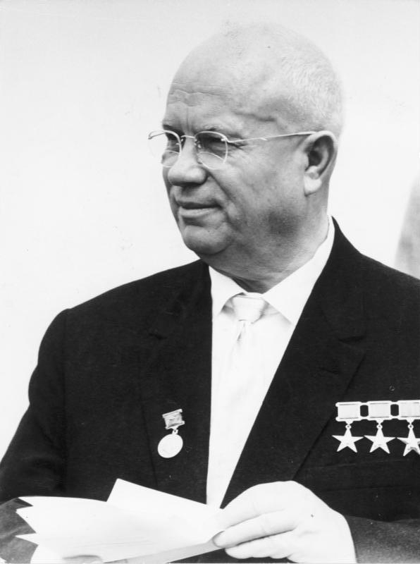 Bundesarchiv_Bild_183-B0628-0015-035,_Nikita_S._Chruschtschow