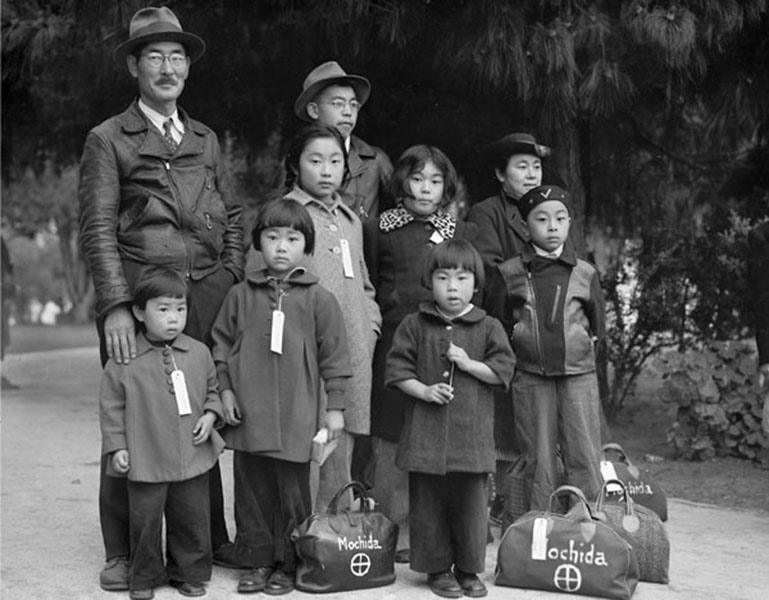 japanese-internment-family-bags
