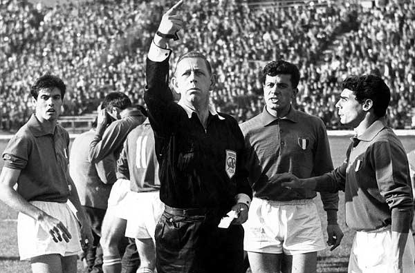 Ken-Aston-World-Cup-1962-D