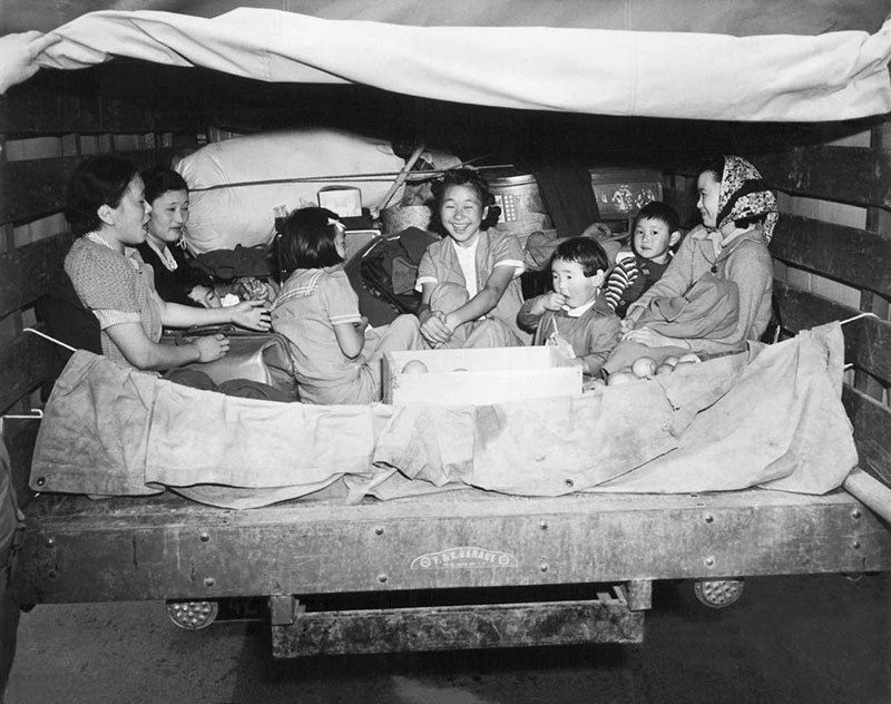 manzanar-relocation-center-japanese-residents