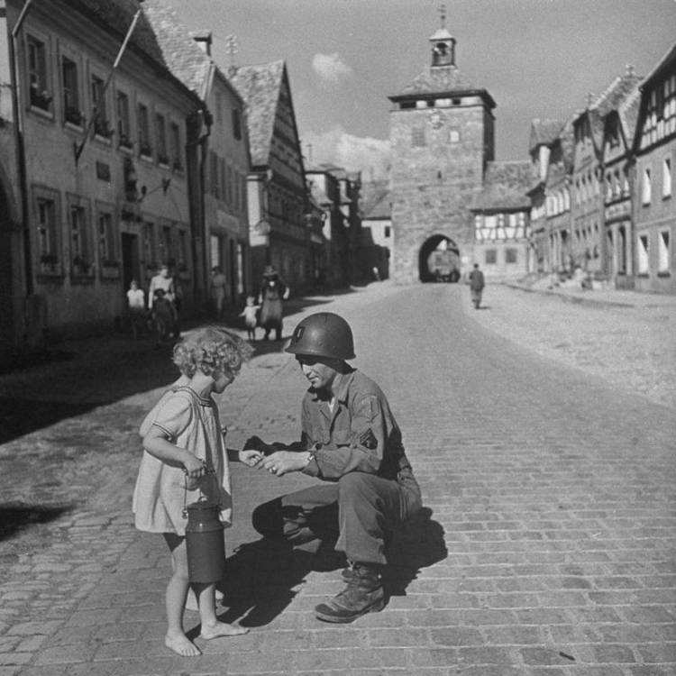 soldier-and-a-girl