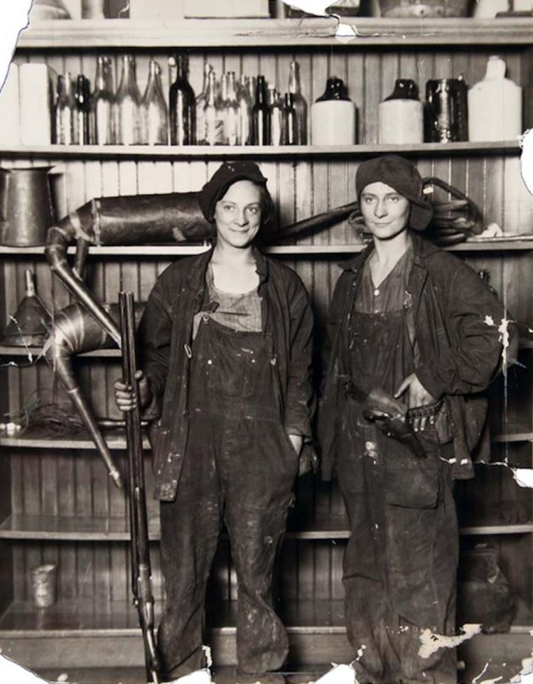Two_female_bootleggers