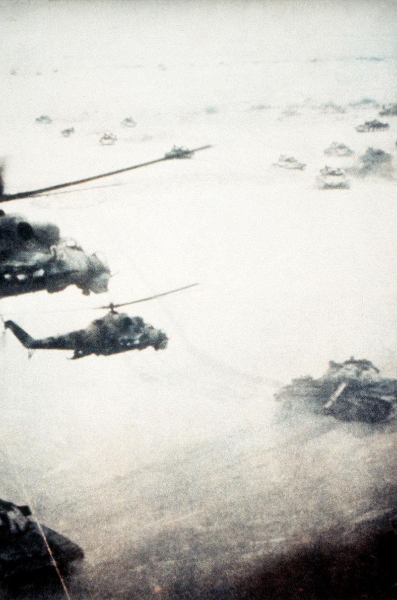 800px-SovietafghanwarTanksHelicopters