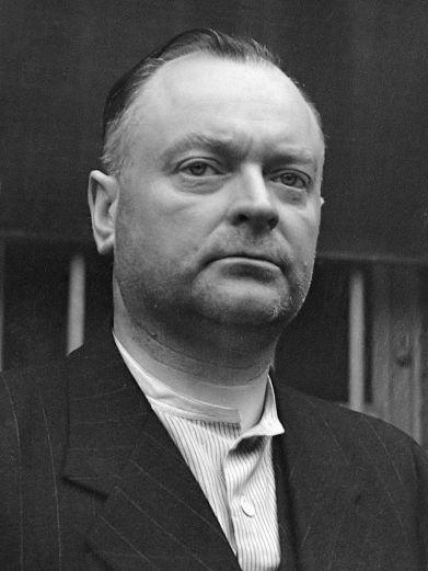 Anton_Mussert_(1945)