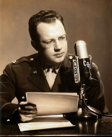 CBS_correspondent_Bill_Downs_in_London,_1942