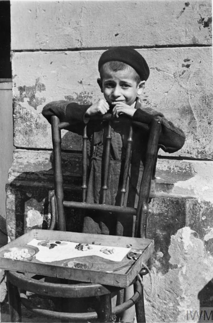 Daily_Life_In_The_Warsaw_Ghetto_9