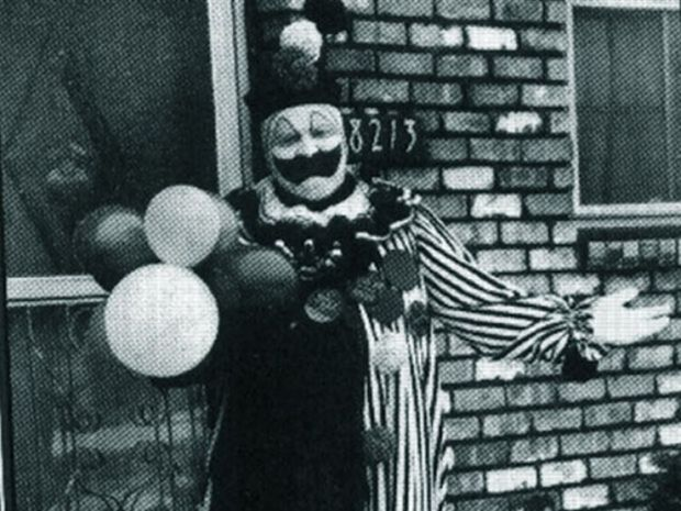lg_ef5e55-bodiesofserialkillers_john-wayne-gacy-clown