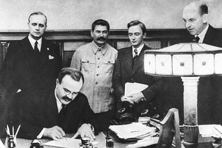 Molotov–Ribbentrop Pact