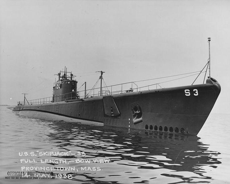 USS_Skipjack_-_19-N-19055