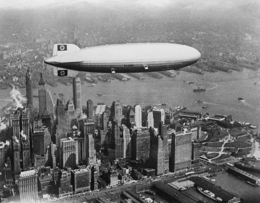 airship-over-skyline
