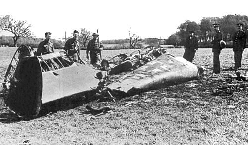 Rudolf_Hess_-_Bf_110D_Werk_Nr_3869_-_Wreckage_-_Bonnyton_Moor