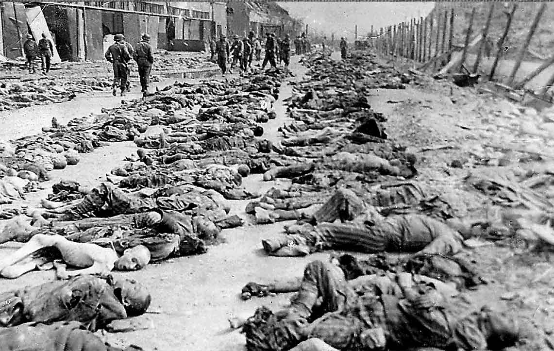 dead-lined-up-at-dachau