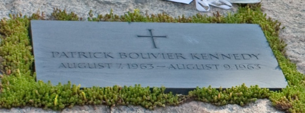 Gravestone_for_Patrick_Bouvier_Kennedy_in_Arlington_National_Cemetery