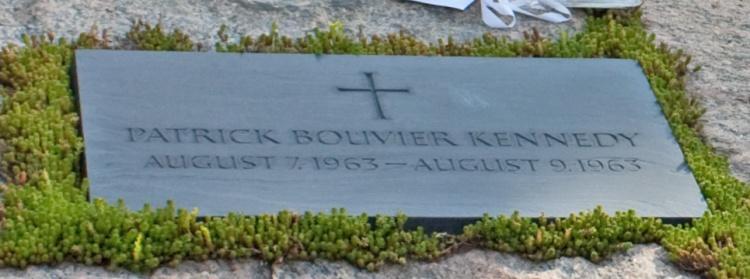 Gravestone_for_Patrick_Bouvier_Kennedy_in_Arlington_National_Cemetery
