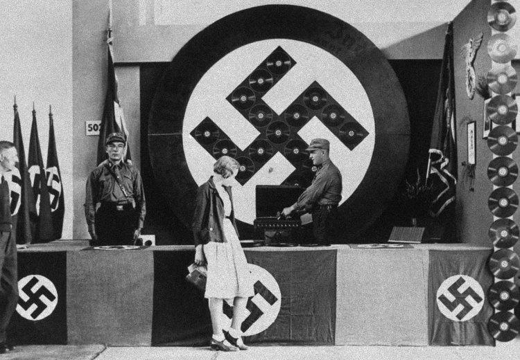 Nazi_DJ_1932