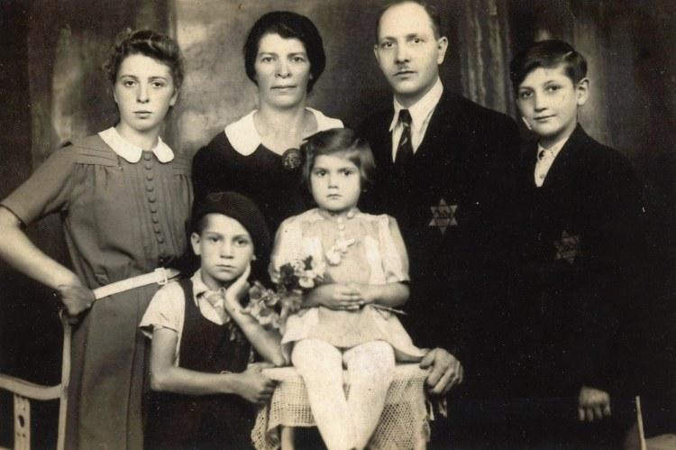 Rose-Goteiner-Family-photo