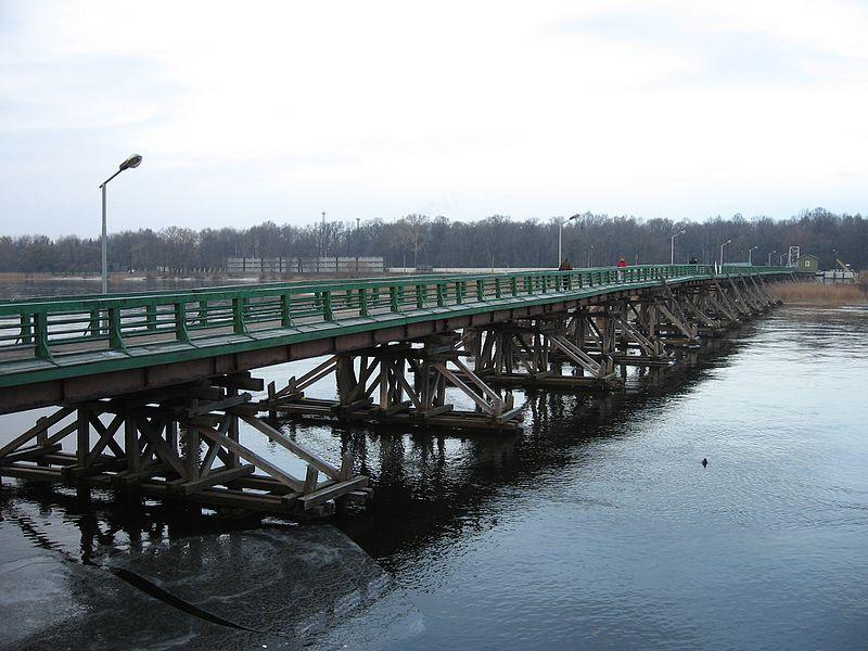 Bolshoi_Petrovsky_Most,_2007