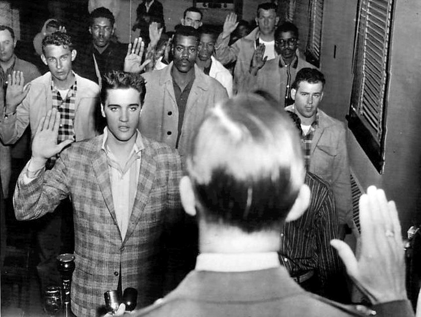 Elvis_sworn_into_army_1958