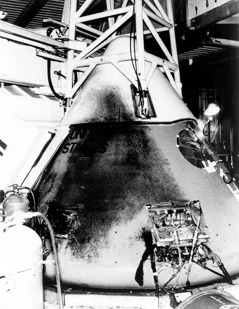800px-Apollo_1's_Command_Module_-_GPN-2003-00057