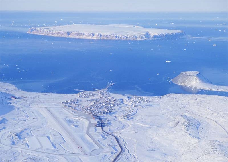 Aerial_Picture_Of_Thule_Air_Base