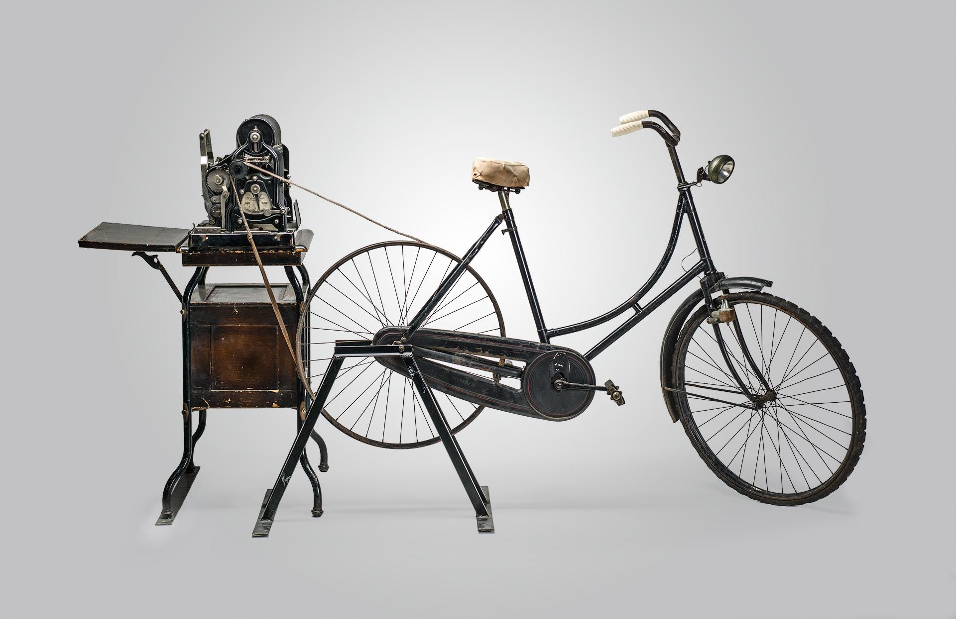 16.-Stencilmachine-met-fiets1