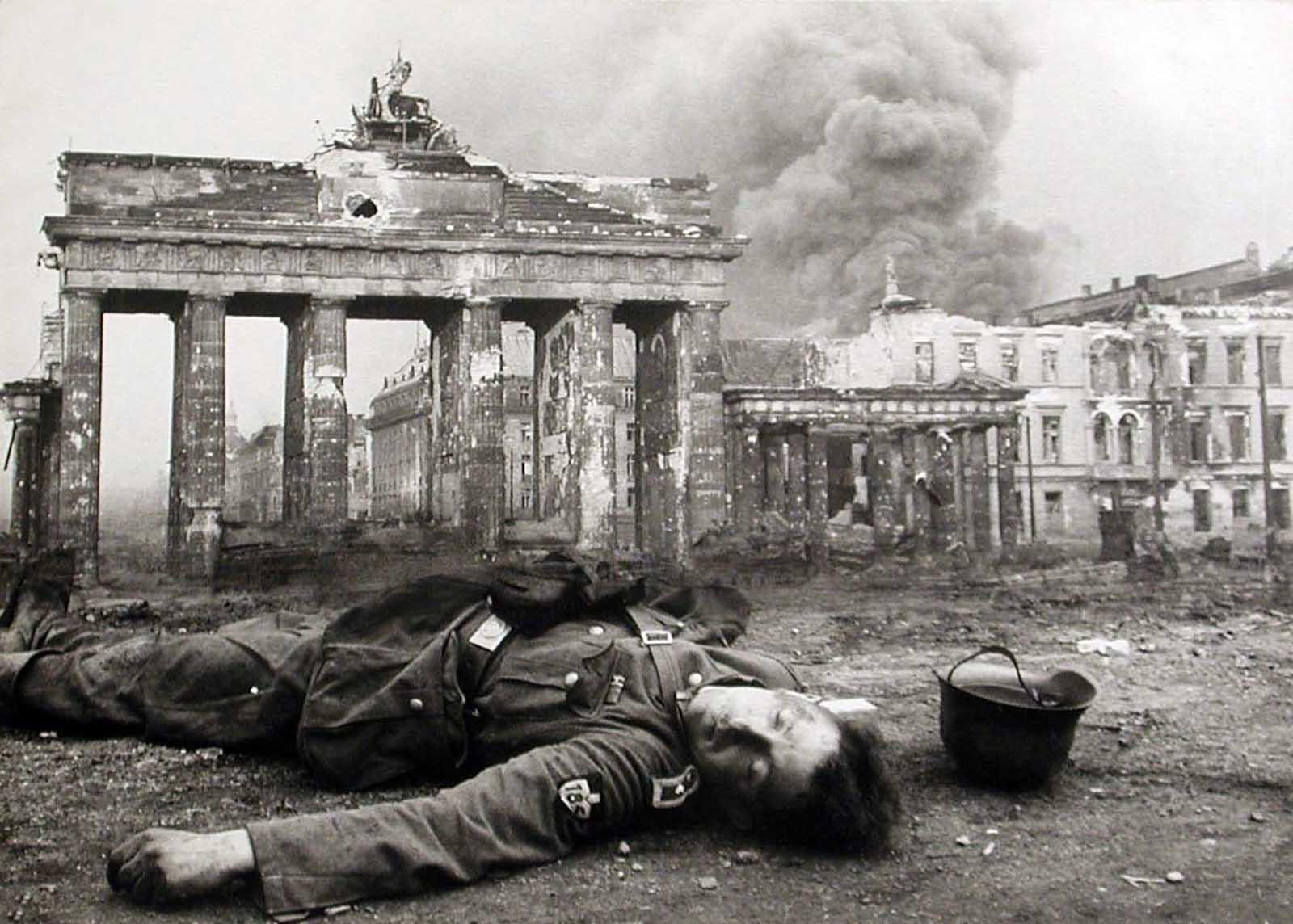 Berlin in 1945 4
