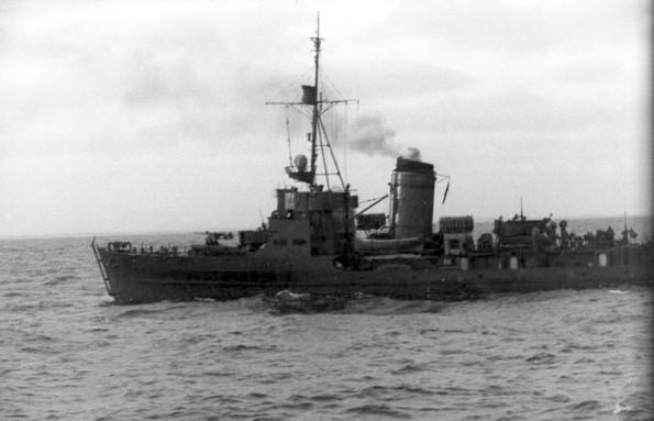 Bundesarchiv_Bild_101II-M2KBK-249-32_Frankreich_M-Boot_auf_See-595x383