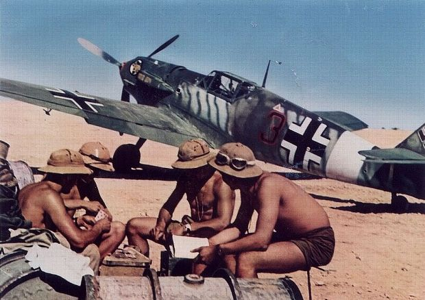 historical-photos-pt5-luftwaffe-pilots-cards-africa-1942