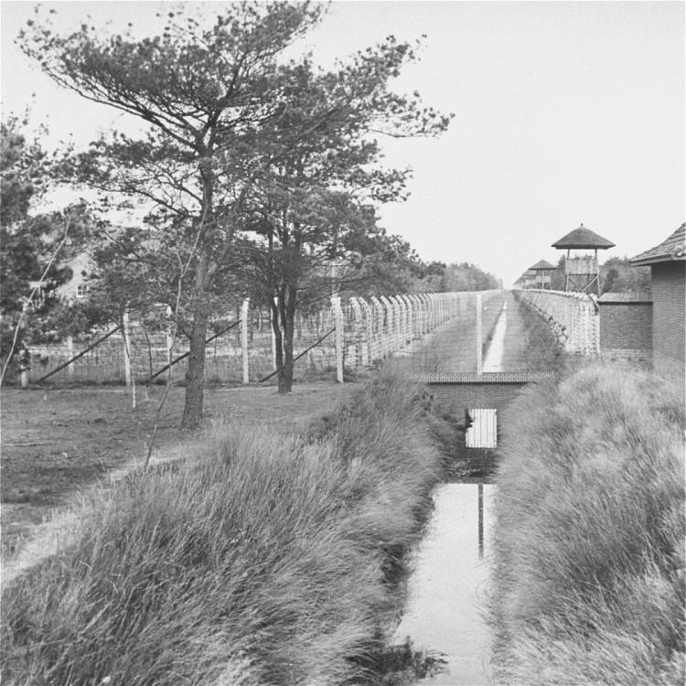 Kamp_Vught_1945.jpg
