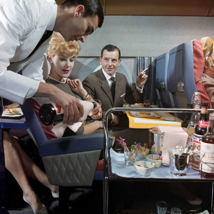 flying_first_class_1960s (9).jpg