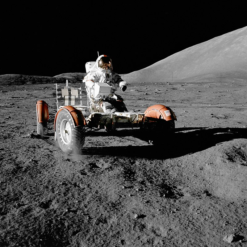 800px-NASA_Apollo_17_Lunar_Roving_Vehicle