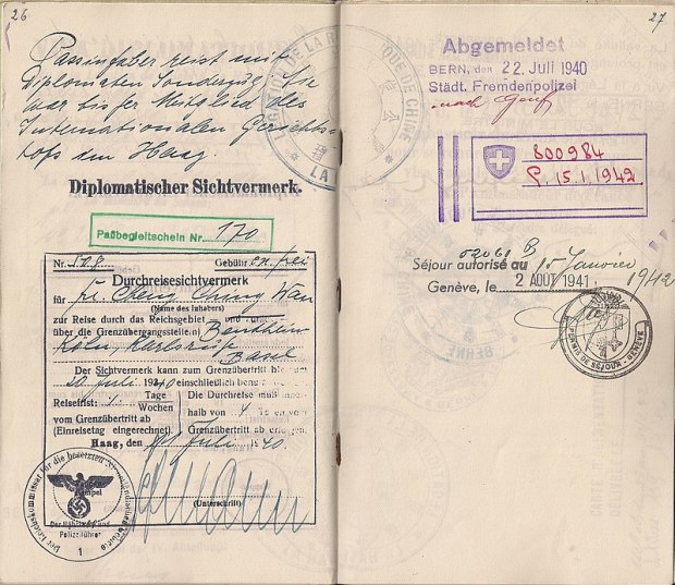 800px-Passport_being_used_by_a_diplomat_being_evacuated_from_occupied_Holland_in_1940